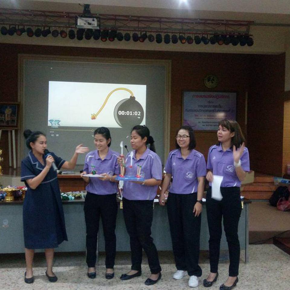 การฝึกอบรม workshop ในวันที่ 1 ที่โรงเรียนบรรจงรัตน์